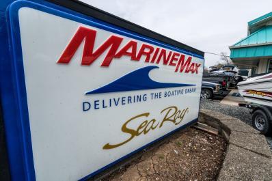 MarineMax 17