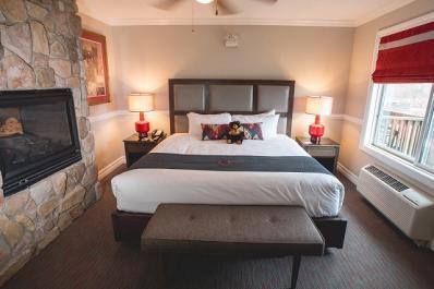 Minerals Hotel Room