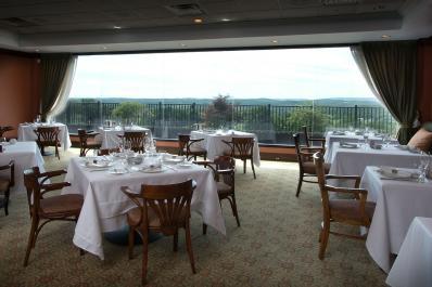 Restaurant Latour Seating