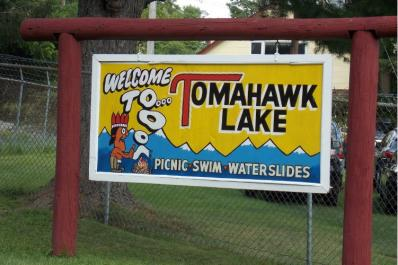 Tomohawk Lake Entrance Sign