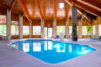 Quality Inn Plainfield pool