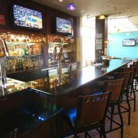 Wingtips Bar & Bistro