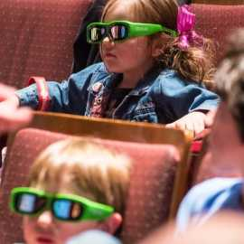 TWDS Kids with 3D glasses