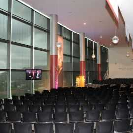 Classroom seating for large meetings and symposiums