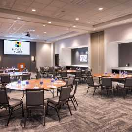 Full Banquet Space with Crescent Rounds