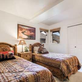 2 twin bedroom main level