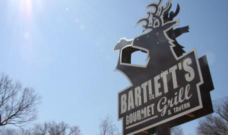 Bartletts Grill Restaurants Beverly Shores Sign