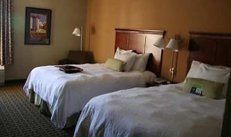 Hampton Inn & Suites Hotel Valparaiso 2 Queen