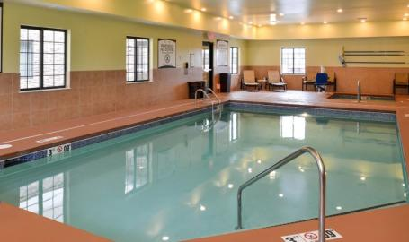 Staybridge Suites Merrillville Hotel pool