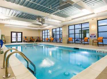 Holiday Inn Hotel & Suites/Downtown Pool