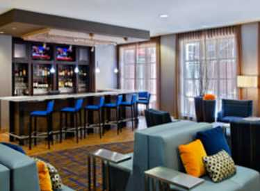 Lobby and Bistro Bar at Courtyard/Downtown