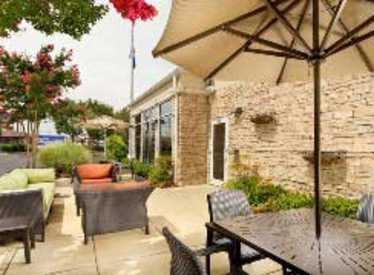 Hilton Garden Inn/Hamilton Place Outdoor Patio