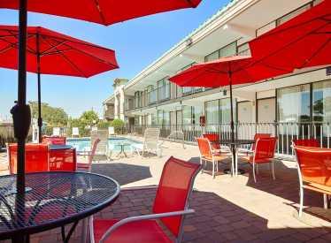 Best Western Heritage Inn Pool