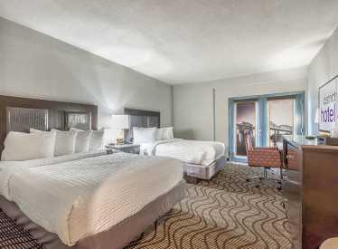 Queen Bedroom with Balcony