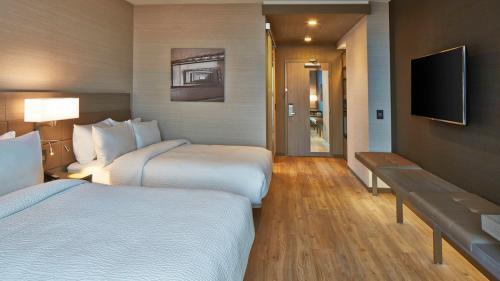 AC Hotel Room