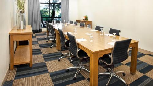 Four Points meeting room