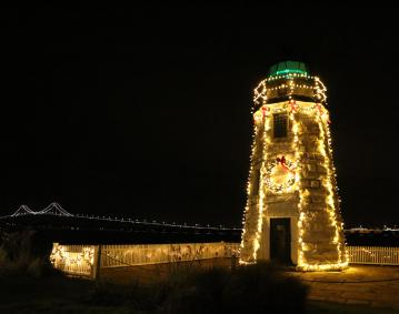 https://res.cloudinary.com/simpleview/image/upload/crm/newportri/Lighthouse-Lighting-324-_2468654e-5056-b3a8-49a394049f901a0a.jpg