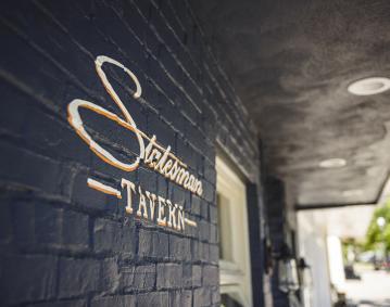 Statesmen Tavern