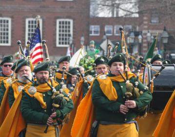 https://res.cloudinary.com/simpleview/image/upload/crm/newportri/st-patricks-2014_credit-Discover-Newport-0057_0f460cd6-5056-b3a8-498d8dc5e3882c130_ce1d00fd-5056-b3a8-49ef66477bb0c5d4.jpg