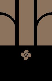 Oxer Old Vines Logo