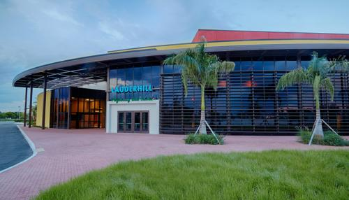 The Lauderhill Performing Arts Center has a year-round roster of events that accommodates music, theater, dance, cinema, and visual arts.