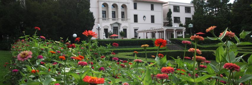Geneva on the Lake exterior garden