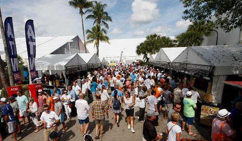 Fort Lauderdale International Boat Show Crowd