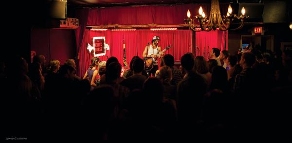 Shakey Graves on stage at White Horse.