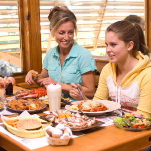 Family dining at Dixie Crossroads