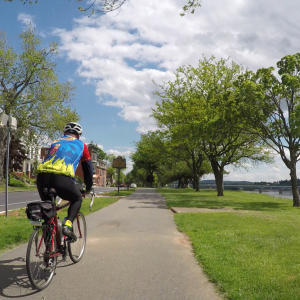 biking-harrisburg-riverfront-park-capital-area-greenbelt
