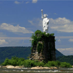 statue-of-liberty-dauphin-susquehanna-river