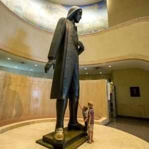 william-penn-state-museum-pa-statue