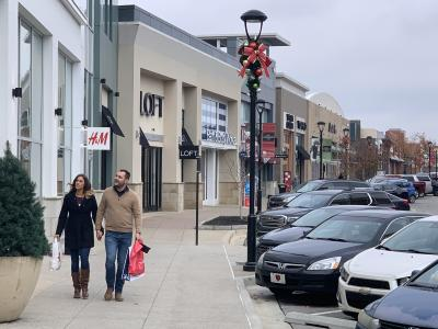 Holiday Shopping at The Shops at Perry Crossing