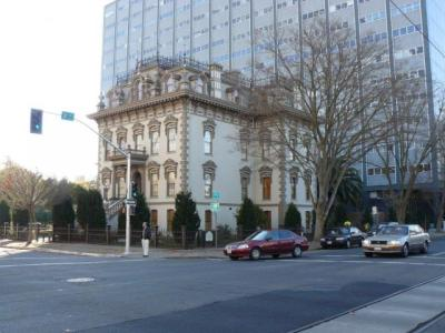 The mansion is located in downtown Sacramento, close to great downtown museums, dining and  hotels.
