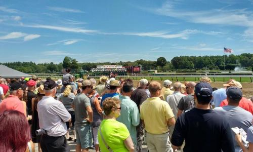 Saratoga Race Course crowd