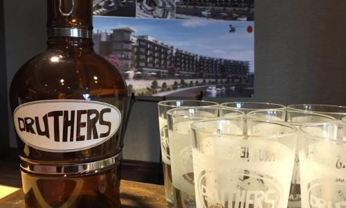 Capital Craft Beverage Trail Druthers growler and glasses