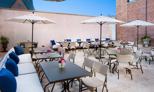 The Blue Hen outdoor patio seating