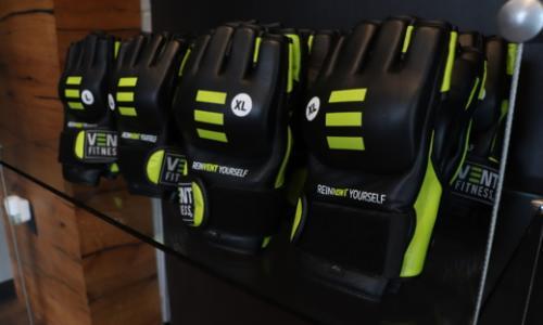 Vent Studio Strike Gloves