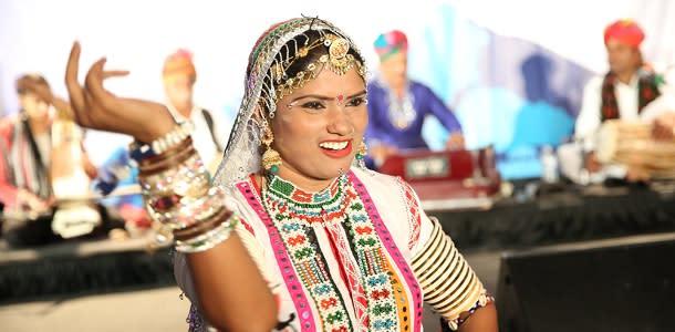 Dancer at Jaipur Literature Festival Boulder