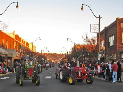 The Santa Parade in Sumner goes right down Main Street