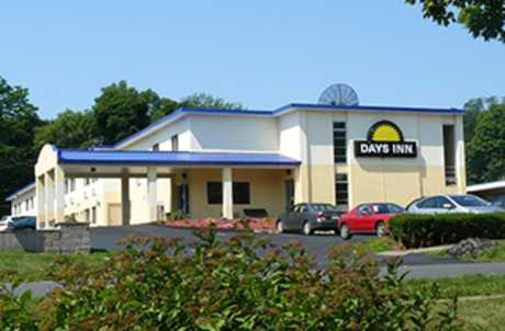 Days Inn Auburn NY for TourCayuga