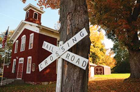 Little Red Schoolhouse for TourCayuga