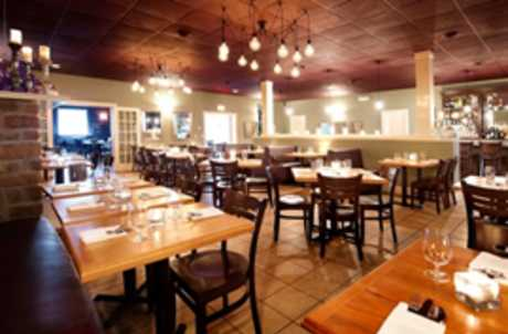 Moros Table in Cayuga County Dining