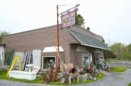 COUNTRY HOME & GARDEN ANTIQUES