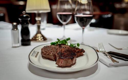 McKendrick's Large Steak