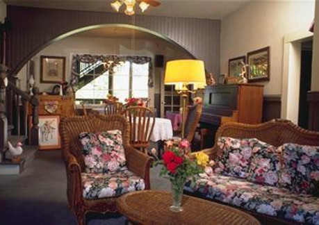 322P3myers inn common room.jpg