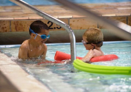 94P3Kids in the pool.jpg