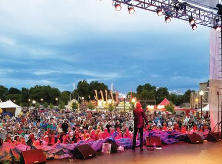 Abbey Road on the River, Peter Noone concert