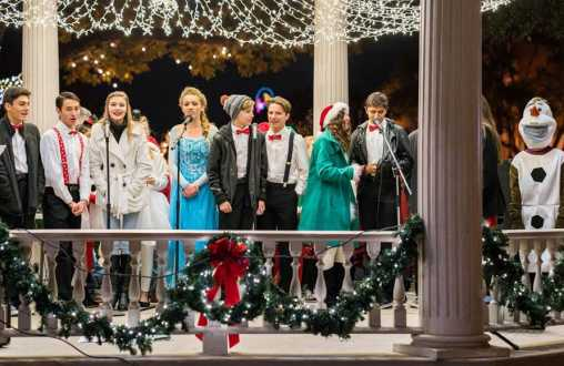 38th Annual Caroling On The Plaza