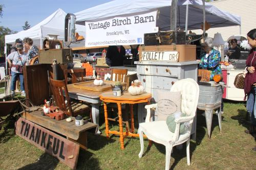 Nellie's Barn Sale 7